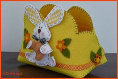 L'Angolo di Stefania: marzo 2014 Biscuit, Felt Crafts, Minnie Mouse, Coin Purse, Sweet Home, Shabby, Easter, Christmas Ornaments, Holiday Decor