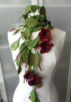 Écharpe collier tour de cou en laine feutrée vert rouge fleure : Sciarpe…