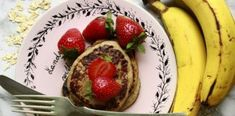 RECEPT: Banánové lívance s ovesnými vločkami a jahodami French Toast, Pancakes, Beef, Breakfast, Food, Meat, Morning Coffee, Essen, Pancake