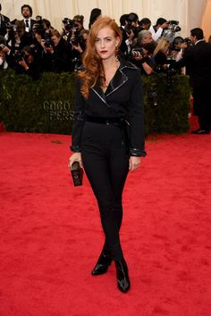 Riley Keough Gothically Suits Up In Louis Vuitton For The Met Gala!