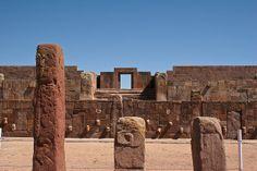 Tiwanaku en Bolivie! Découvrez plus de lieux à voir en Bolivie sur notre guide de voyage gratuit !