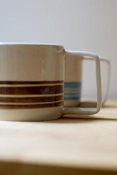 Brown and White Ceramic Mug with handle, Stoneware Handthrown Mug for tea and breakfast Latte Cups, Coffee Cups, Tea Cups, Stoneware Clay, Ceramic Mugs, Pottery Mugs, Safe Food, White Ceramics, Brown