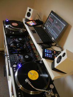 turntables, turntable, gramofon, mix, technics, Traktor DJ, DJ, Traktor, Kontrol F1, Kontrol S4, Controller