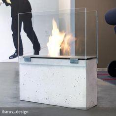 """Die """"Muro Feuerstelle Stone""""  ist ein Kamin auf Bio-Ethanol-Basis, der sowohl im Innen- als auch im Außenbereich genutzt werden kann. Stylish mit Betonsockel. #roomido Mehr auf roomido.com"""