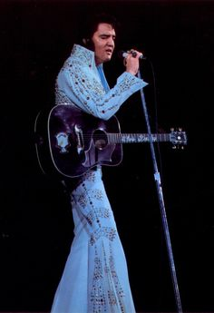 rare elvis photos | ... Rare Thunderbird Pic April 73 » Elvis Fan Site - Elvis Presley- Elvis