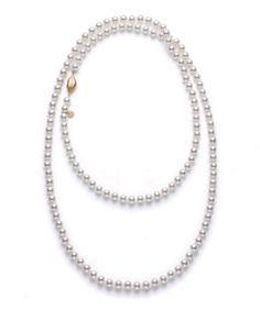 Le collier Tender Kiss en perles de Marie-Hélène de Taillac x Tasaki http://www.vogue.fr/joaillerie/le-bijou-du-jour/diaporama/les-perles-de-marie-helene-de-taillac-x-tasaki/17190#!le-collier-tender-kiss-en-perles-de-marie-helene-de-taillac-x-tasaki