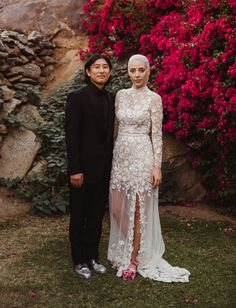 Minimal Aesthetic + Bougainvillea Pops Make for a Stylish Palm Springs Wedding - Green Wedding Shoes Wedding Couple Photos, Wedding Photography And Videography, Wedding Dresses Plus Size, Green Wedding Shoes, Wedding Attire, Wedding Portraits, Wedding Styles, Bridal Gowns, Palm Springs