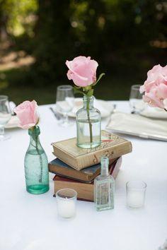 Os livros dão uma vibe #vintage à decoração.