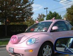 Miss Piggy has got herself a new car: Beatle turned into a pig! have 2 get it!!