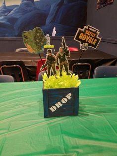 Las mejores ideas para una fiesta de Fortnite Birthday Party Decorations Diy, Birthday Centerpieces, Birthday Party Themes, Birthday Ideas, Army Birthday Parties, Army's Birthday, Nerf Party, Deco Table, Party Time