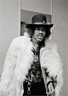 White fur matters - The legendary Jimi Hendrix Jimi Hendrix Experience, Music Icon, My Music, Jimi Hendricks, Historia Do Rock, Janis Joplin, Rock Music, Rolling Stones, The Beatles
