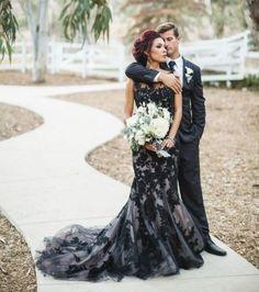 Vestido de Noiva Preto: Significado & 70 Modelos Impressionantes