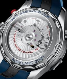 Omega Seamaster Diver 300M America's Cup Chronograph Detalle trasera. Calibre Omega 9900 Omega Seamaster Diver 300m, Omega Speedmaster Racing, Watch Blog, Planet Ocean, Watch Model, Auckland, White Enamel, Stainless Steel Case, Chronograph