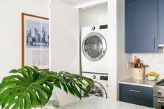7 Kitchen Trends We'll See in 2020 Black Door Handles, Apartment Renovation, Renovations, California Closets, Herringbone Wood Floor, Oak Floorboards, Kitchen Trends, White Oak Floorboards, Furniture Choice