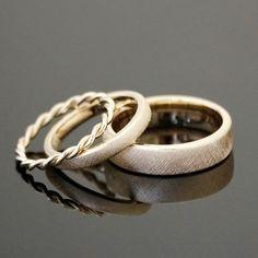 """Eheringe VINTAGE SET Kordelring Ein ganz bezauberndes LIEBLINGSRING-Set; die Ringe """"VINTAGE"""" - in einer individuellen Variante, mit einem Kordelring als Vorsteckring. Auf Wunsch fassen wir gerne..."""