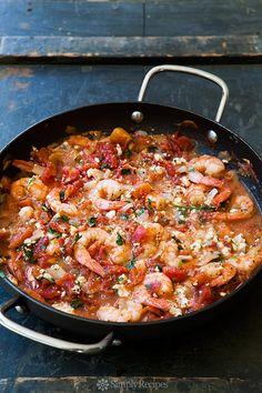 Baked Shrimp in Tomato Feta Sauce Quick, easy, ONE pot! Shrimp baked in tomato sauce with onions, garlic, and feta cheese. Takes 30 min to make. Shrimp Dishes, Shrimp Recipes, Fish Recipes, I Love Food, Good Food, Baked Shrimp, Shrimp Bake, Shrimp Dip, Gastronomia
