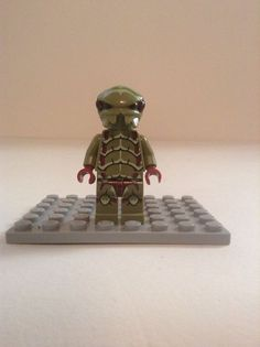 lego chuck stonebreaker minifigure galaxy squad green space helmet armor 70706 lego lego sets. Black Bedroom Furniture Sets. Home Design Ideas