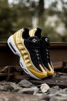 sneakers for cheap fdcd0 1b8ad Nike Air Max 95 LX Wheat Gold/Black/Guava Ice/Wheat Gold Women's