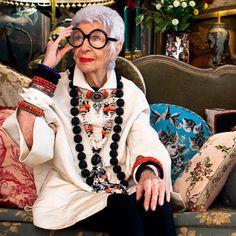 Iris Apfel estilo nonagenaria Rara Avis gafas redondas xxl