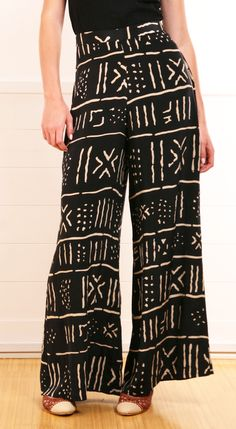 """""""Testino"""" pants in an African black and white print"""