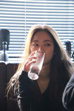 Korean Actresses, Asian Actors, Actors & Actresses, Uzzlang Girl, Song Joong Ki, Korean Aesthetic, Korean Star, Kdrama Actors, Fashion Poses