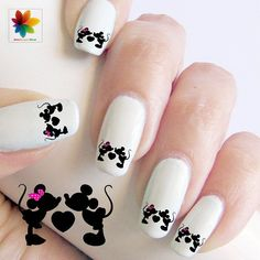 Image via Lovely Cartoon Themed Nails for the Week Image via Mickey Mouse Nails Mickey Mouse Nail Art, Minnie Mouse Nails, Mickey Mouse Nails, Fancy Nails, Love Nails, How To Do Nails, Pretty Nails, Style Nails, Nailed It