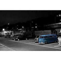 Instagram【48k1】さんの写真をピンしています。 《画像加工もらくらく〜 最近のアプリは良く出来てますね〜(´∀`*) #我々クラスのカメラ部  #一眼レフ  #夜景 #vw #vwbus  #vwtype2  #フォルクスワーゲン  #ワーゲンバス  #aircooled  #aircooledvw #パーキング #parking  #画像加工》