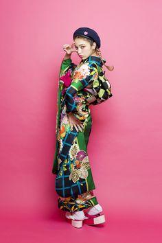 Geisha, Harajuku Japan, Modern Kimono, Yukata, Japanese Kimono, Japan Fashion, Japanese Culture, Kimono Fashion, Berets