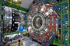 El gran colisionador de hadrones (LHC, en las siglas inglesas correspondientes a Large Hadron Collider) es un inmenso... #enciclopedia #enciclopediadigital #enciclopediaonline #fisica #preguntas #preguntasyrespuestas Large Hadron Collider, End Times Signs, Cultura General, Art Plastique, Youtube, Documentary, Nova, Blog, Hu Ge