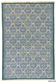 New kilim area rug hand-woven in Turkey with vegetable-dyed and hand-spun wool.