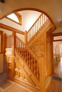 I make Housecalls: Victorian House, Staircase Remodel
