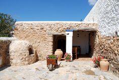 Can Marquet - Ibiza 5 Sentidos Ibiza, Beautiful Villas, Beautiful Homes, Stone Cabin, Italian Village, Spanish House, Tuscan Decorating, Stone Houses, Home Look