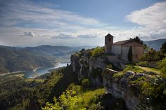 Venturing Into Catalonia's Remote Priorat Region to Discover Its Wine and Hikes - WSJ