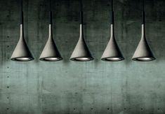 Uno de los detalles más interesantes de la lámpara Aplomb es su durabilidad, dándole un mayor valor al ahorrar energía y ser sustentable.