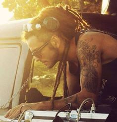 Dude w/ Dreads... NOM... Only some can pull it off!! =)