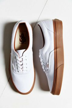 http://www.fashiontrendstoday.com/category/vans-shoes/ Vans Era Gumsole Shoe