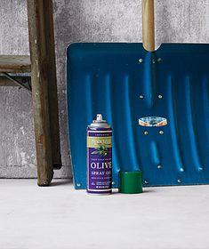 blue-shovel-cook-spray_300 by The Snack Pack, via Flickr