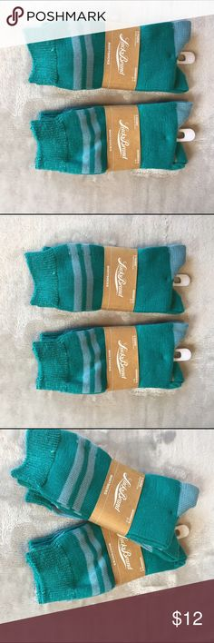 Nwt lucky brand 🍀 women's boots socks pack x 2 Nwt boots socks lucky brand color green and blue size 9- 11 ❤️ I 📦 same day of payment confirmation ❤️makes me offers❤️bundle discount 💯quality ☺️😊🙌🔝 happy purchase!! Lucky Brand Accessories Hosiery & Socks