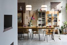 The loft of Maurice Scheltens & Liesbeth Abbenes Amstedam, renovated by Houben & Van Mierlo Architecten Loft, Blueberry Home, Casa Wabi, Sweet Home, Turbulence Deco, Kitchen Dinning, Dining Room, Rustic Kitchen, Dining Area