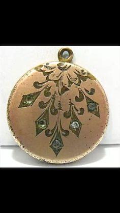 VICTORIAN ROSE GOLD FILLED ATRICE PASTE LOCKET BUMBLEBEE