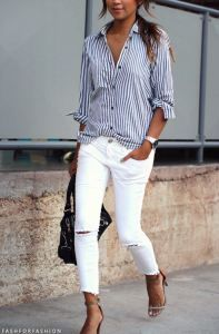 Take a look at 14 stylish spring outfits with white jeans in the photos below and get ideas for your own amazing outfits! White jeans, chambray shirt and brown accessories Amazing Outfits Image source Trajes Business Casual, Business Casual Outfits, Trendy Outfits, Work Outfits, Jean Outfits, 30 Outfits, Business Casual With Jeans, Latest Outfits, Fashion Outfits
