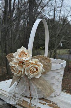 Wedding // Guests // Flower / Basket / Nice Idea for Dancing-Flip-Flops