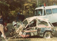 Rallye Crash, Sports Car Racing, Race Cars, Carros Suv, Old Lorries, Rally Raid, Porsche Carrera, Car Crash, Car Wheels