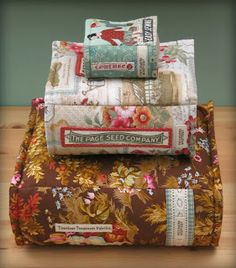 book pillows!!! love these and am definitely going to buy this pattern $12 from patchwork pottery