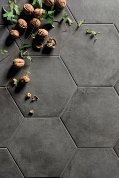 Casablanca Black Hexagon mandarin stone