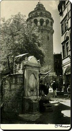 Galata Tower – 1930 – Özlem Çiçek Kaya – Join the world of pin Old Pictures, Old Photos, Istanbul Pictures, Ottoman Empire, Historical Pictures, Pilgrimage, City Photo, Egypt, Tower