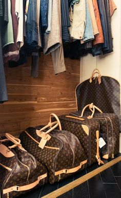 LV travelers bags.  I so WANT! who cares that they are more expensive than my wardrobe! Lol