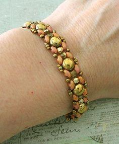 Linda's Crafty Inspirations: Pattern Review: Fay Bracelet by Un-Roen Manarata