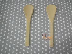 Mini Colher de Bambu São delicadas e charmosas!!! Feitas artesanalmente em Bambu , Ideal para lembrancinhas de crianças e adultos . De uma forma criativa e diferenciada. As Medidas : 10cm de Comprimento Valor R$2,60 a unidade Pedido Minimo 30 unidades !!! Não Vendemos menos de 30 unidades!!!