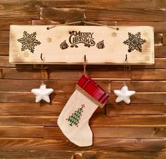 Merry Christmas Tree Single by WoodCraftDesignbyMZ on Etsy Christmas Wood Crafts, Merry Christmas, Christmas Decorations, Holiday Decor, Christmas Stockings, Christmas Shopping, Design Crafts, Creative